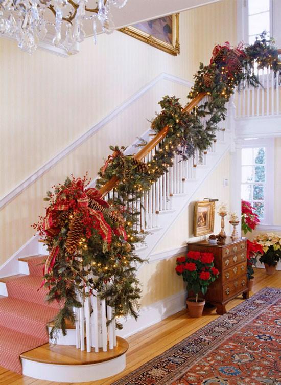 16 ý tưởng trang trí cầu thang đón Giáng Sinh dành cho mọi nhà - Ảnh 1.