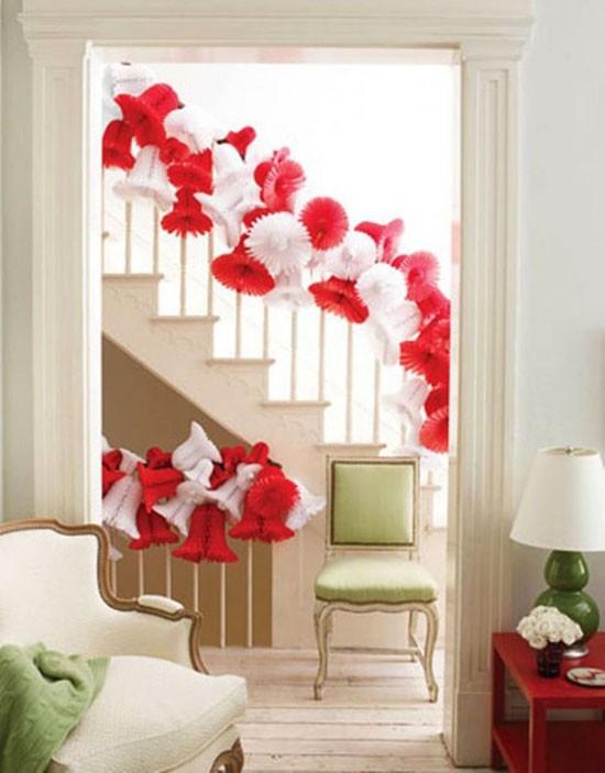 16 ý tưởng trang trí cầu thang đón Giáng Sinh dành cho mọi nhà - Ảnh 31.