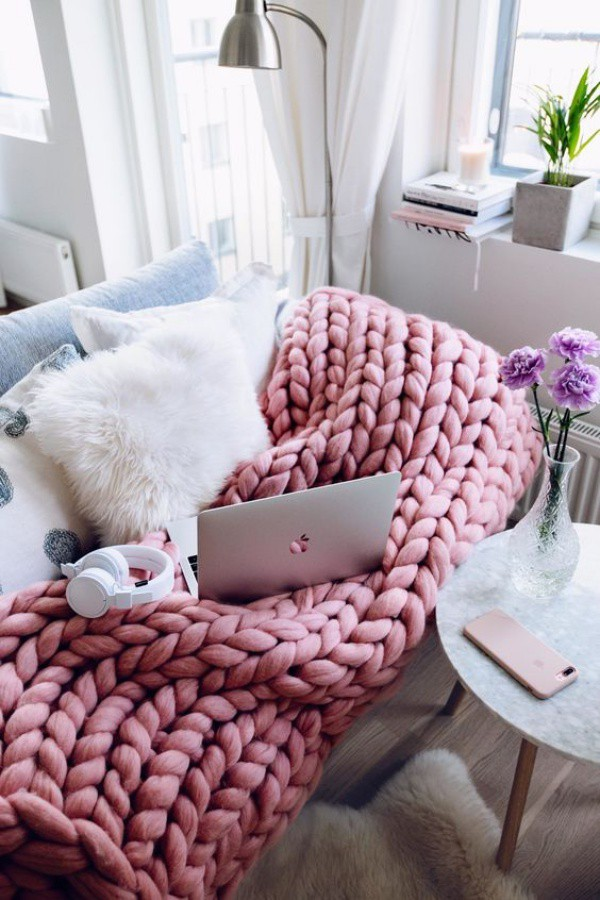 Những ý tưởng trang trí nhà bằng len cho không gian sống mùa đông vừa đẹp vừa ấm - Ảnh 7.