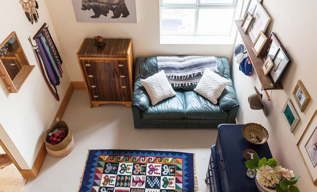 Ngôi nhà mới tận dụng nội thất cũ khéo léo - Ảnh 8.