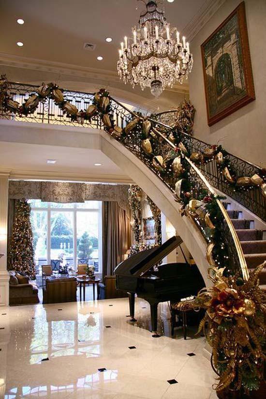 16 ý tưởng trang trí cầu thang đón Giáng Sinh dành cho mọi nhà - Ảnh 13.